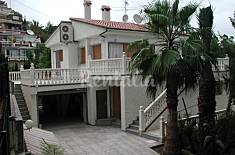 Totally equipped villa only 100 meters from the sea Alicante
