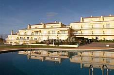 Condomínio Fechado, duas piscinas, 1 interior Lisboa