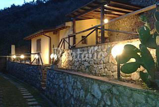 Casa per 4-5 persone a 10 km dalla spiaggia Lucca
