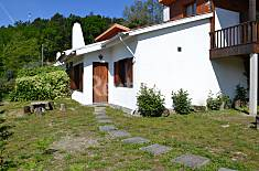 House with great views of the river and pool Viana do Castelo
