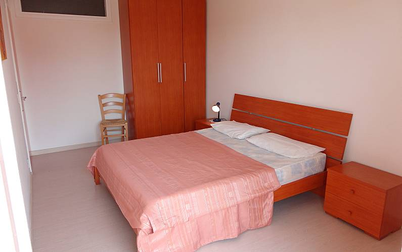 2 appartements en location 150 m de la plage porto for Chambre a air en anglais