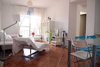 Apartamento con 3 dormitorios a 500 m de la playa Cádiz