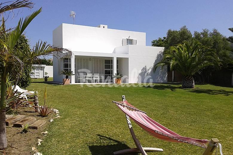 Chalet Jardín Cádiz Barbate villa