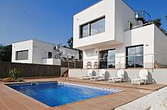 Villa with 4 bedrooms 4 km from the beach Girona