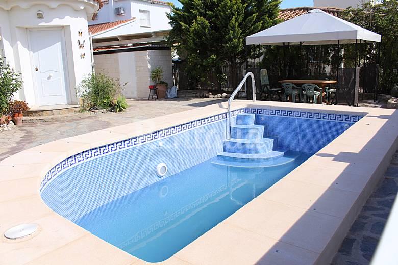 Villa oliva nova piscina wifi canal playa a 500m oliva playa oliva valencia levante - Camping en oliva con piscina ...
