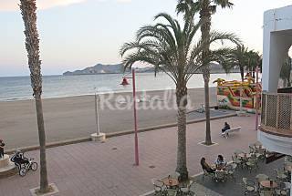 Apartment for 4-5 people on the beach front line Almería