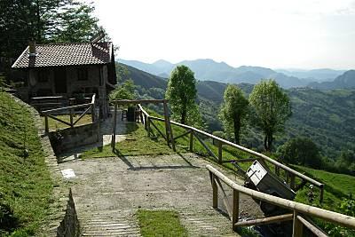 cabaña en la montaña Asturias