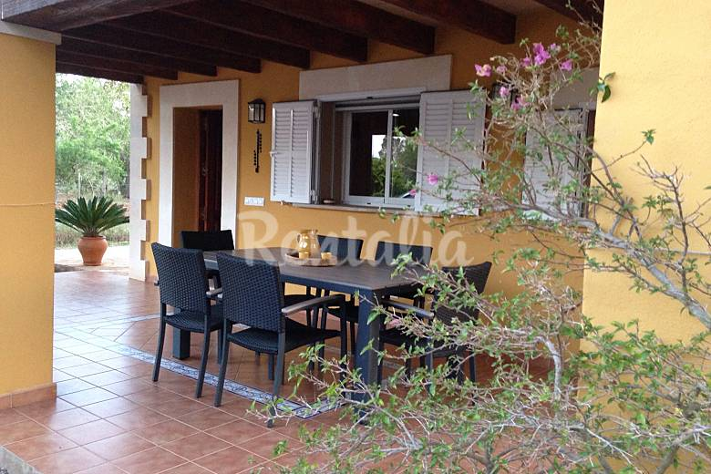 Casa rural 2 habitaciones con piscina y wifi porreres for Casas con piscina mallorca