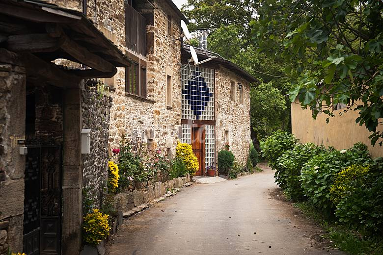 Casa para 9 11 personas en entorno de monta a navelgas - Casa rural 11 personas ...