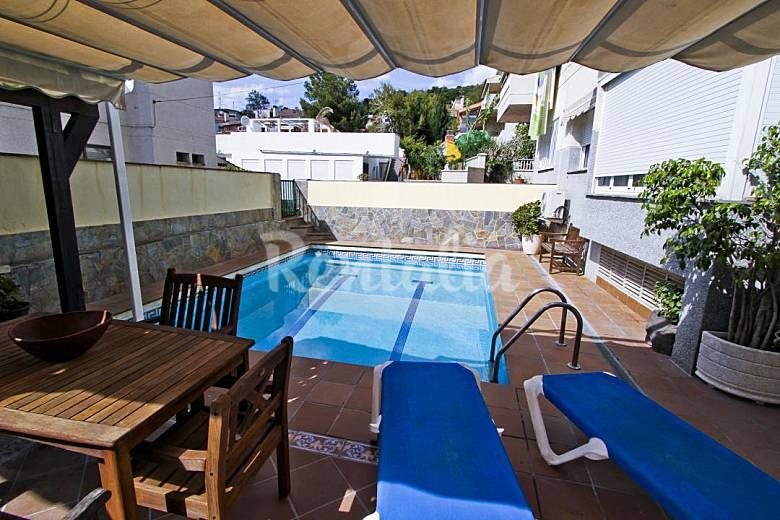Precioso chalet con piscina privada cap de salou nostra for Alquiler chalet con piscina privada tarragona