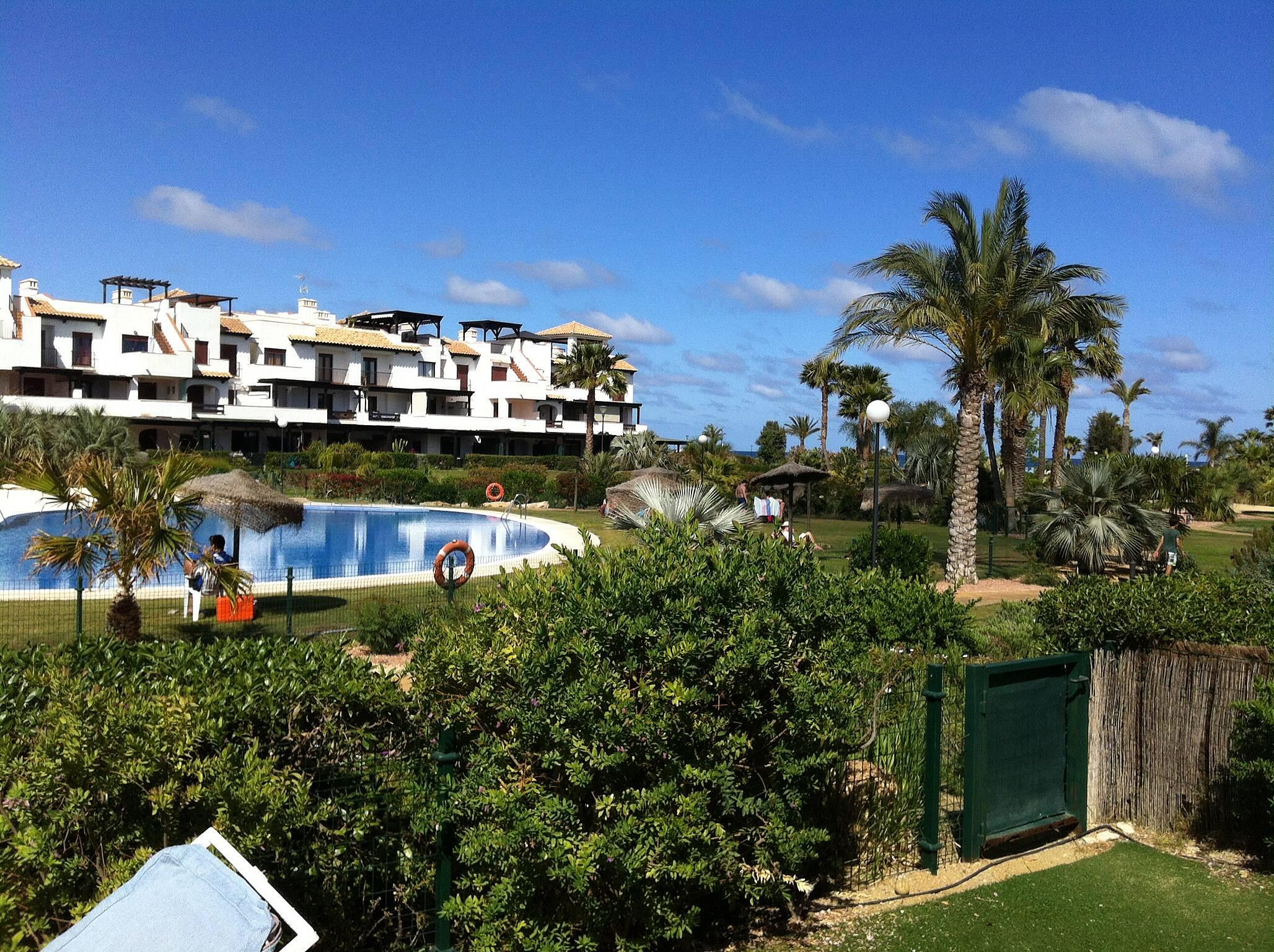 Apartamento en alquiler en 1a l nea de playa vera playa for Apartamentos en vera almeria