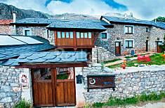 Maisons dans un environnement montagneux León