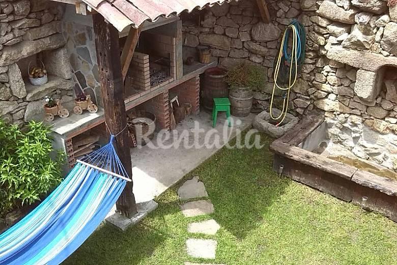 Casa de 3 habitaciones en entorno de monta a leiro for Jardin del posio ourense