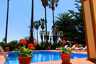 Villa for 15 people 6 km from the beach Tarragona
