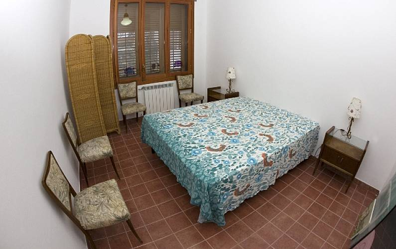Casa para 4 5 personas a 3 km de la playa carini for Casa muebles palermo
