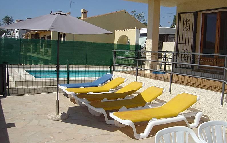 Villa soleil piscina privada a 200 mts.de la playa Tarragona - Piscina