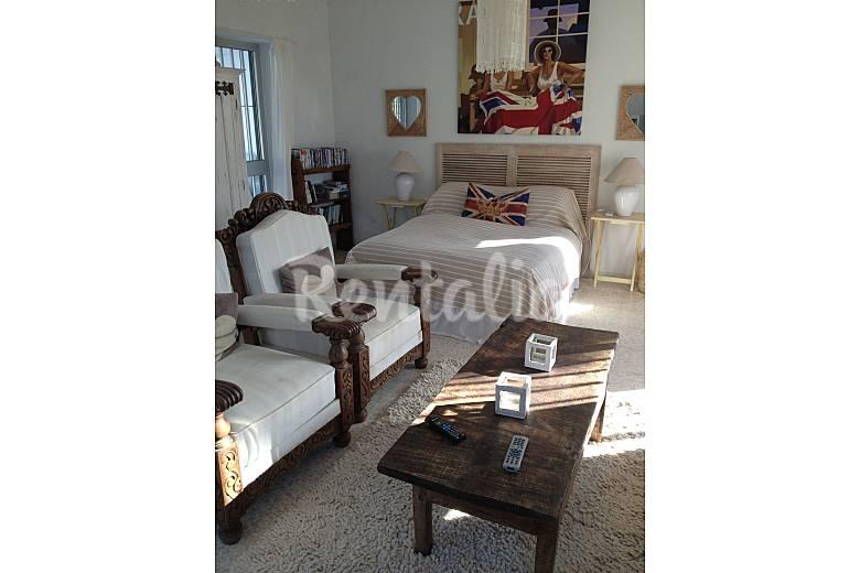 Villa de 4 habitaciones en cadiz centro san andres golf - Muebles chiclana de la frontera ...