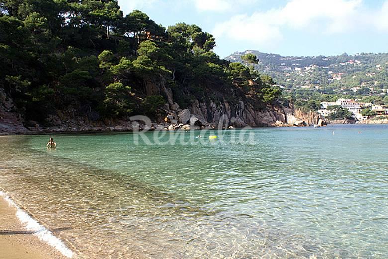 Apartamento en alquiler a 400 m de la playa aiguablava begur girona gerona costa brava - Aiguablava piscina natural ...