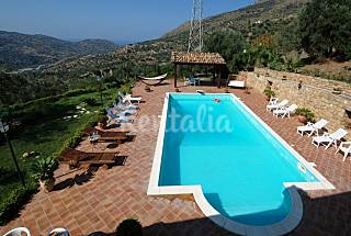 Villa for rent 6.5 km from the beach Messina