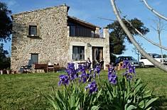 Casa en alquiler con amplio jardín exterior Girona/Gerona