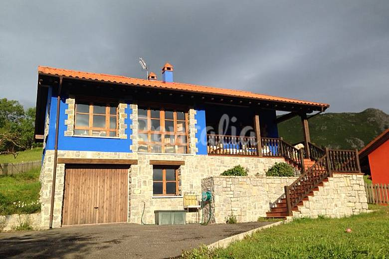 2 espectaculares casas en la cima de una monta a villa - Casas espectaculares en espana ...