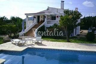 Villa for 8 people 5 km from the beach Tarragona