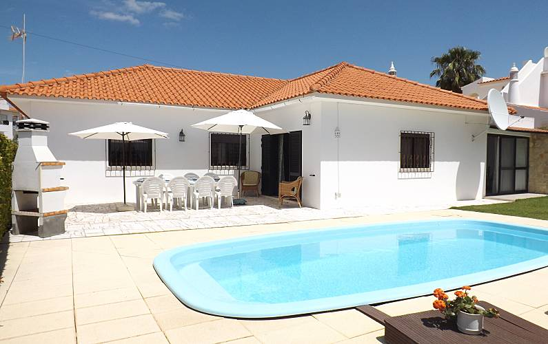 Villa 6-10 p.), pool, wifi, 800 meters to the beach Algarve-Faro - Outdoors