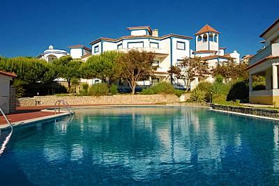 Praia d'el Rey  Apartamento 2 quartos com piscina  Leiria