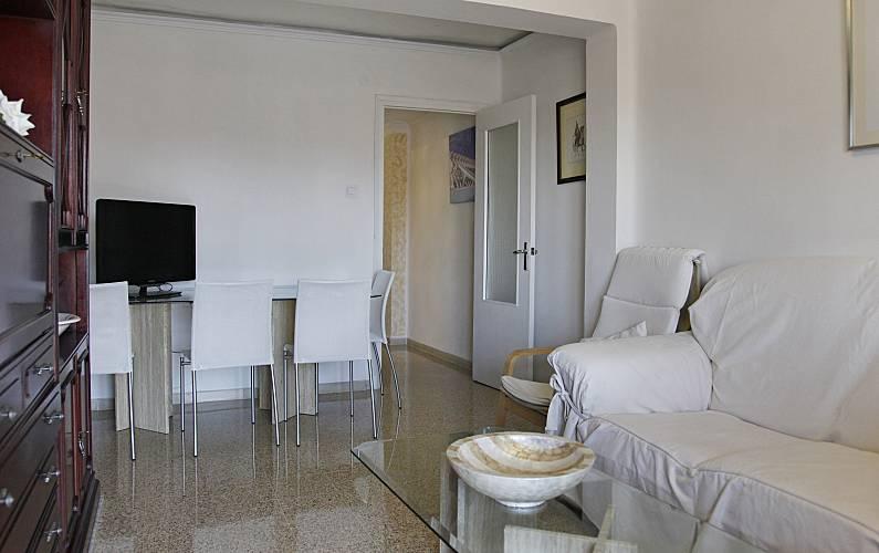 appart de 4 chambres 6 7 pax valencia centre valence valence chemin de compostelle. Black Bedroom Furniture Sets. Home Design Ideas