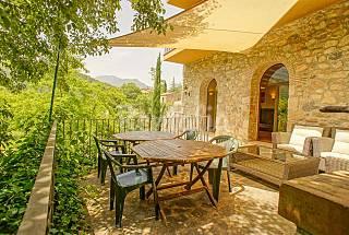 Casa con jardín al lado del río, de 12-14 pax Girona/Gerona