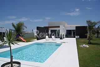 Villa Julia con piscina privada climatizada Lanzarote