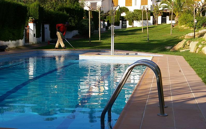 Huis met 2 slaapkamers op 900 meter van het strand santa maria de llorell tossa de mar - Terras teak zwembad ...