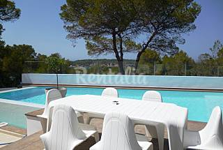 Villa for 12 people within 100m to the beach Ibiza