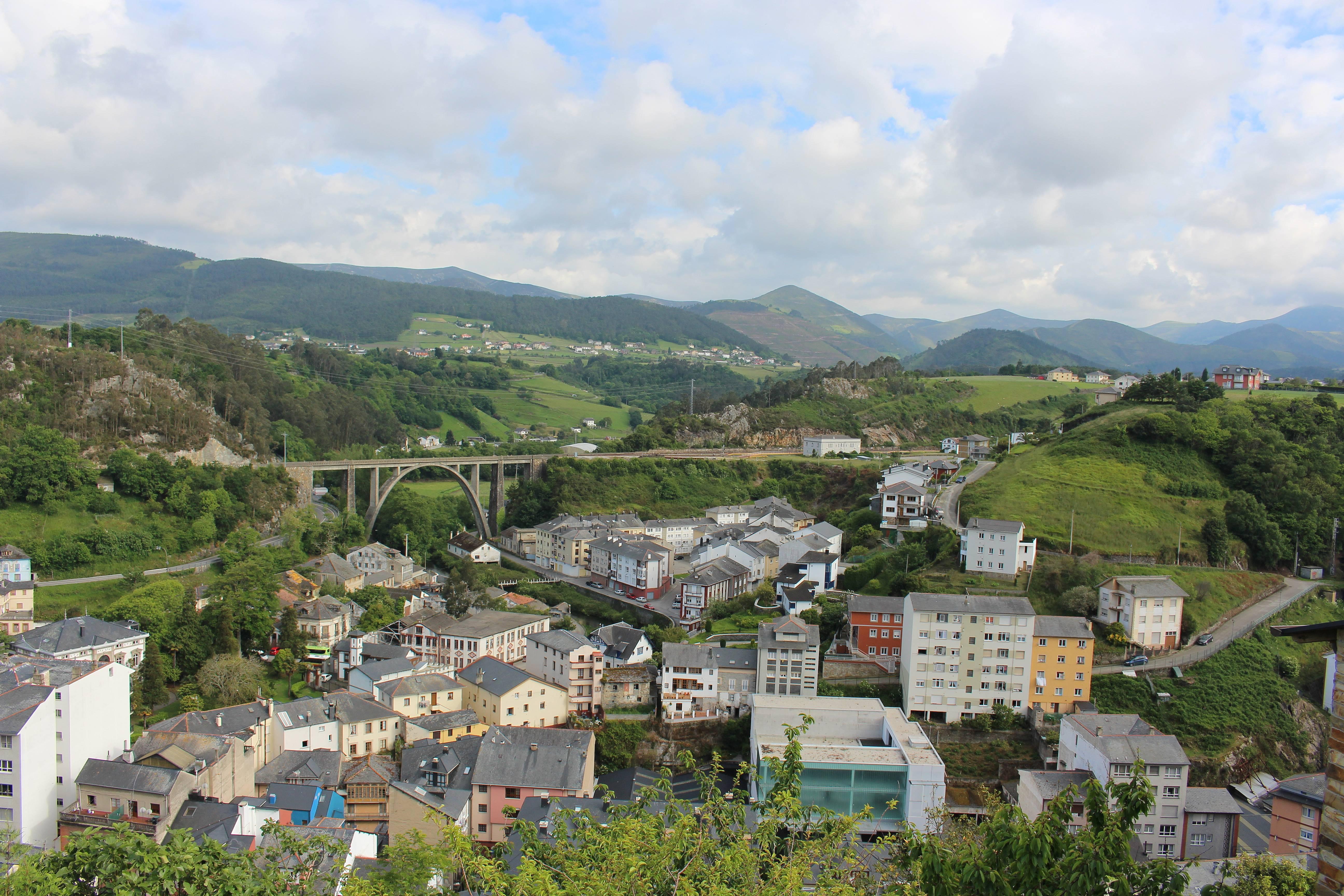Casas De Vacaciones En Vald S Asturias Chalets Casas Rurales Y  # Muebles Luarca Asturias