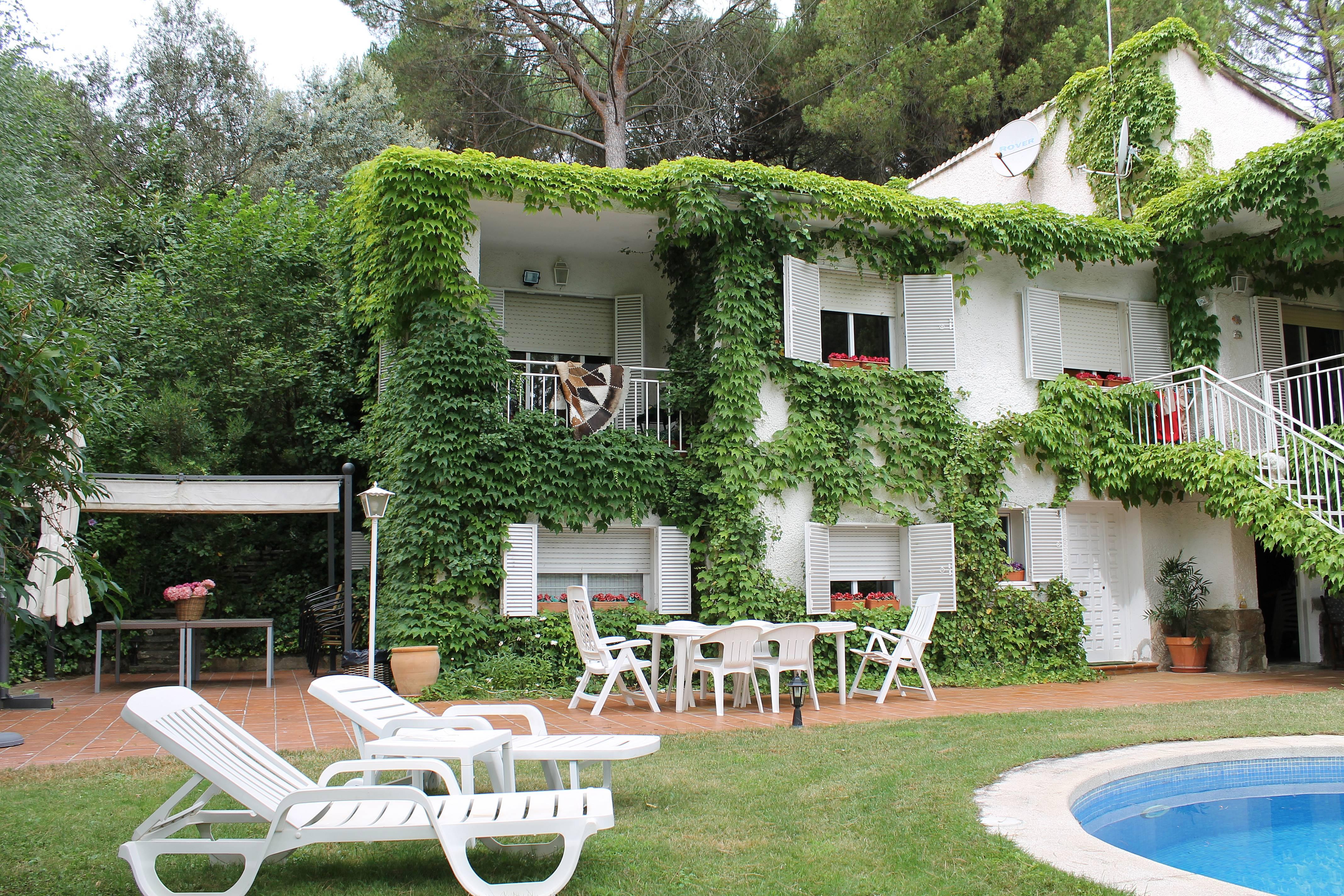 Vivenda para 11 pessoas com piscina san ramon san for Piscina climatizada san martin de valdeiglesias