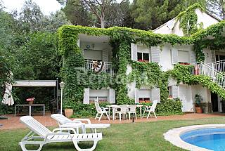 Villa for 11 people with swimming pool Madrid