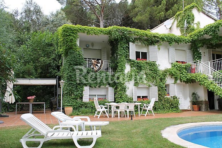Chalet de 5 habitaciones a 50 m del pantano san ramon for Piscina climatizada san martin de valdeiglesias