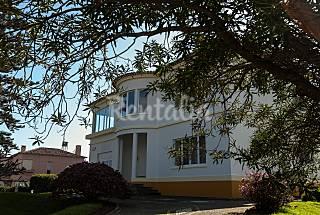 2 apartamentos localizados em rua tranquila com jardim Ilha de São Miguel