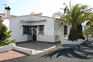 House with 4 bedrooms only 1000 meters from the beach Alicante
