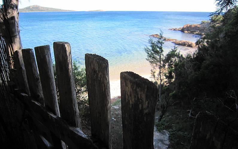 Puntaldia villa sulla spiaggia marina de lu imposta san for Costo della costruzione della casa sulla spiaggia