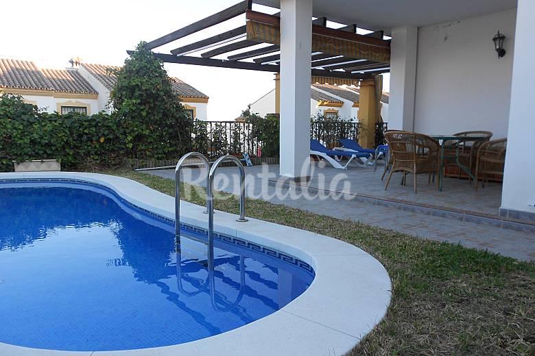chalet piscina privada jard n torre del mar v lez