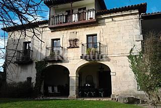 Villa mit 4 Zimmern, 5 Km bis zum Strand Cantabria