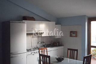Apartamento para 4-6 pessoas a 1400 m da praia Cosença
