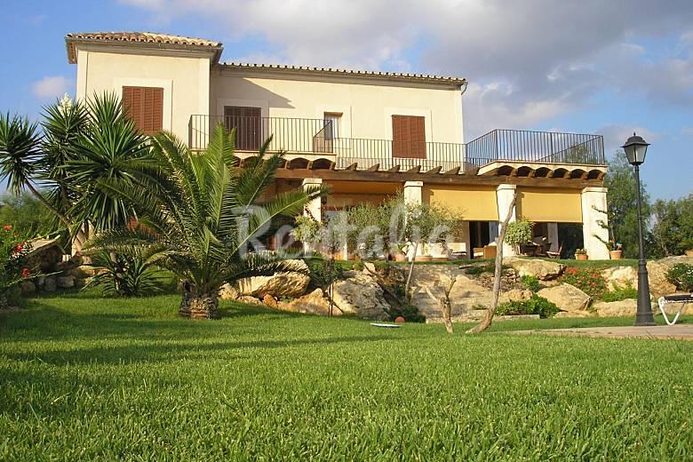 Casa r stica piscina cerca palma y playa palma palma for Piscina y jardin mallorca