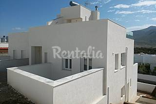 Casa de 4 habitaciones a 400 m de la playa Almería