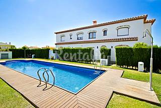Lovely Summer house in Miami Playa Tarragona