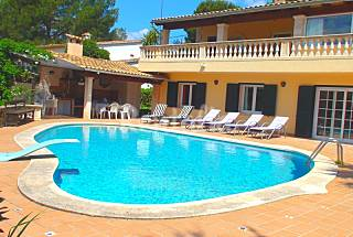 Villa with 8 bedrooms 12 km from the beach Majorca