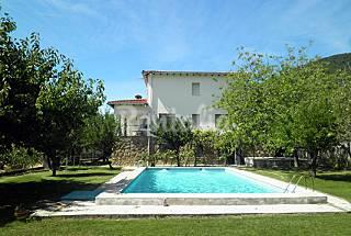 AMatalasviñas Casas con piscina,  cerca de Madrid Ávila