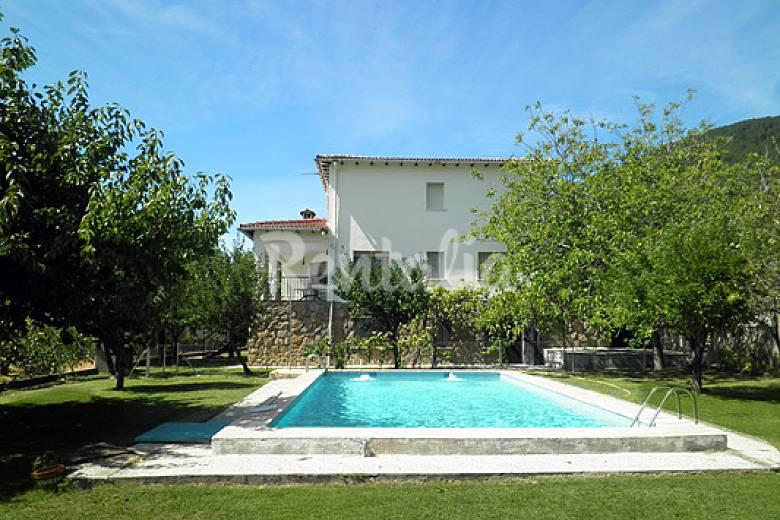 Amatalasvi as casas con piscina cerca de madrid piedralaves vila valle del ti tar - Casas con parcela baratas cerca de madrid ...