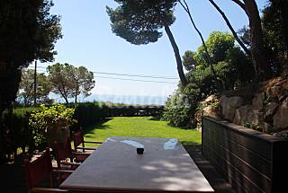 House for rent 2 km from the beach Girona